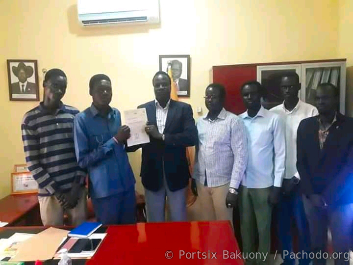 Governor Manytuil pays the Arrears of Unity State' Students studies in Bharelgazal University